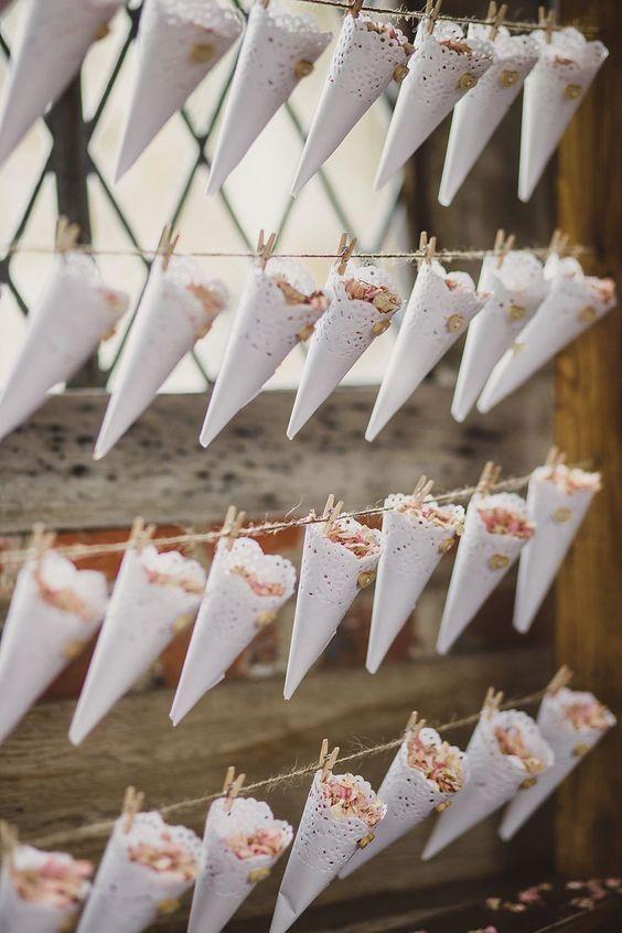 30 Creative Ways To Use Doilies At Your Wedding Weddingomania