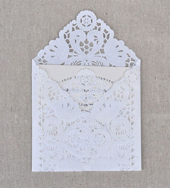 paper doily envelope for wedding invitations can be DIYed