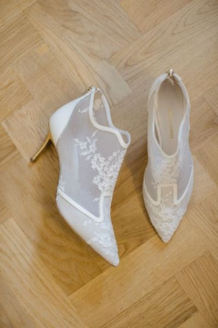 sheer low-heeled booties with lace appliques