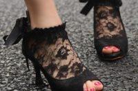 34 vintage-inspired black peep toe lace booties