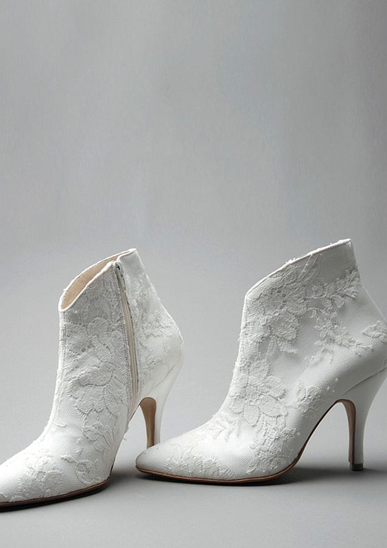 picture 32 Floral Wedding Shoes Ideas For Spring And Summer Nuptials