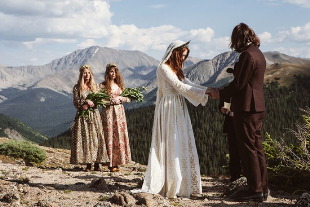 The ceremony took place high in the mountains to achieve that Highlands-inspired look