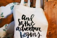 06 personalize the bag with some words that you like