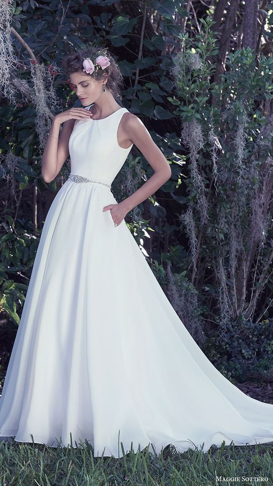 30 Effortlessly Chic Wedding Dresses With Pockets - Weddingomania