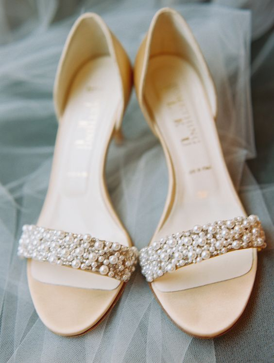 pearl wedding sandals on low heels look timeless and very elegant