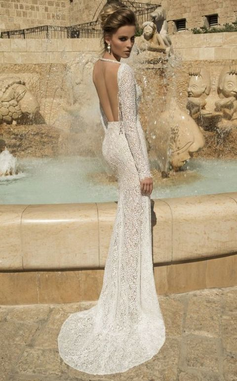 backless sheer lace wedding dress looks gorgeous and cool