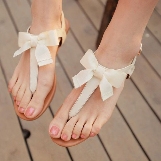 cute thong sandals with fabric bows can be worn with girlish outfits after the wedding