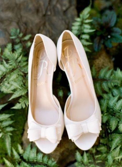 elegant peep toe wedding shoes with bows on captoes