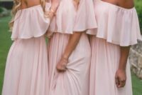 16 simple flowy off the shoulder bridesmaids' dresses in pink will be a trendy and chic idea