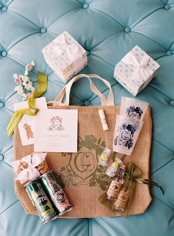 you can also opt for local alcohol or your favorite one to personalize the bag