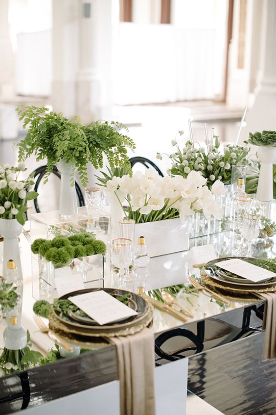 10 Ways To Decorate With Green Moss: 27 Trendy Botanical Wedding Table Décor Ideas