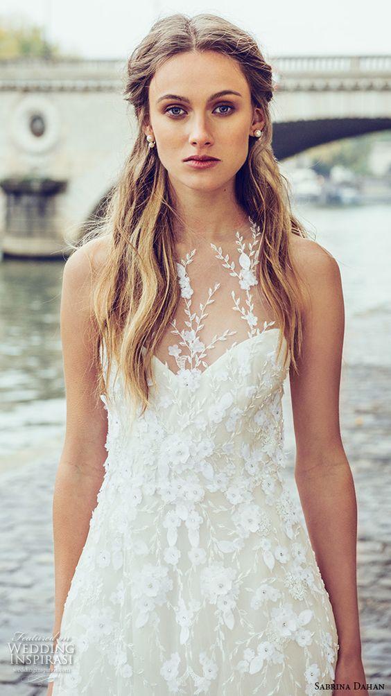 halter neckline lace applique wedidng dress in ivory
