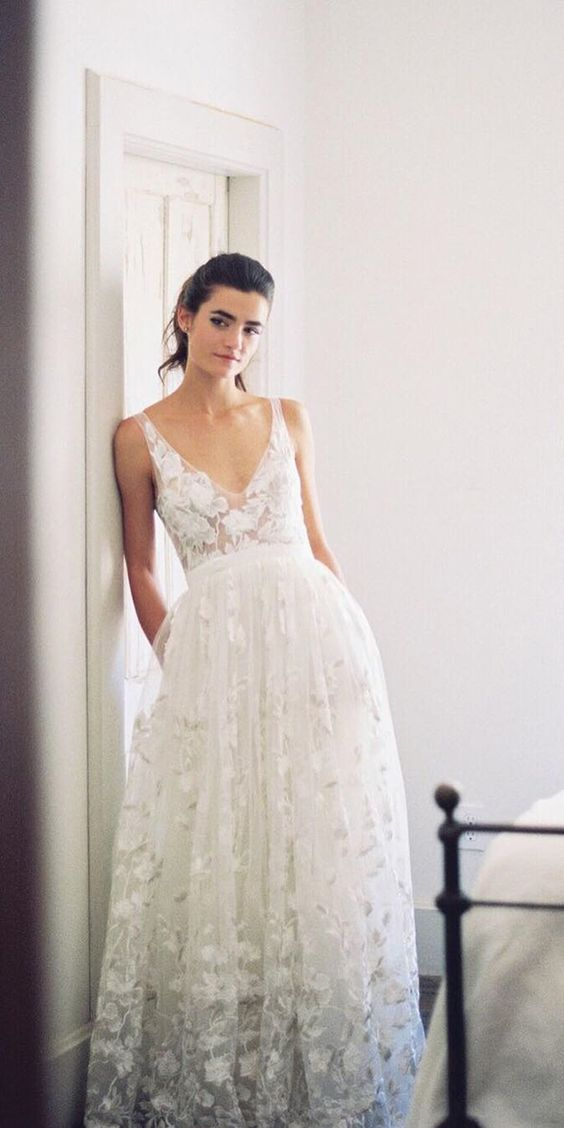 lace applique V-neckline wedding dress with pockets