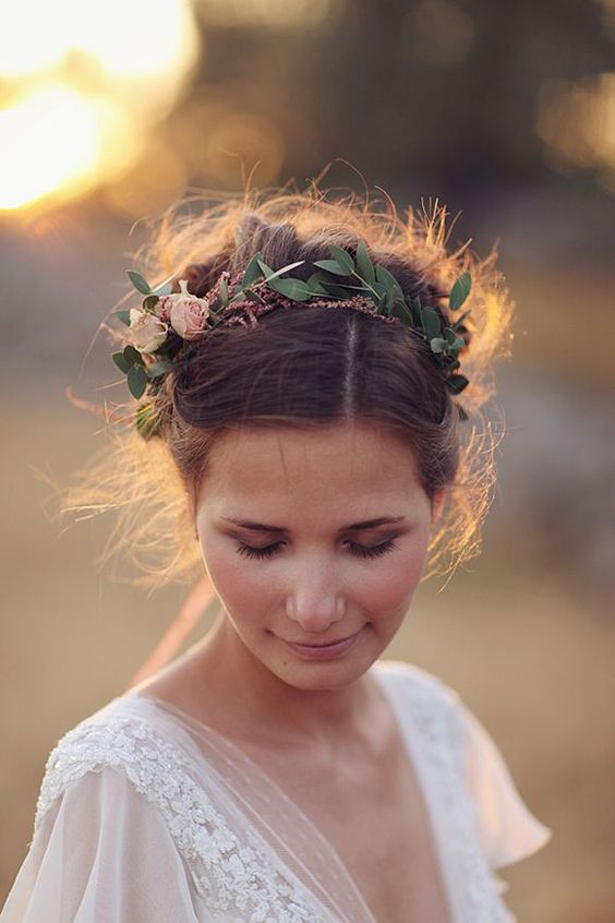 leafy crown with small blush garden roses on the side