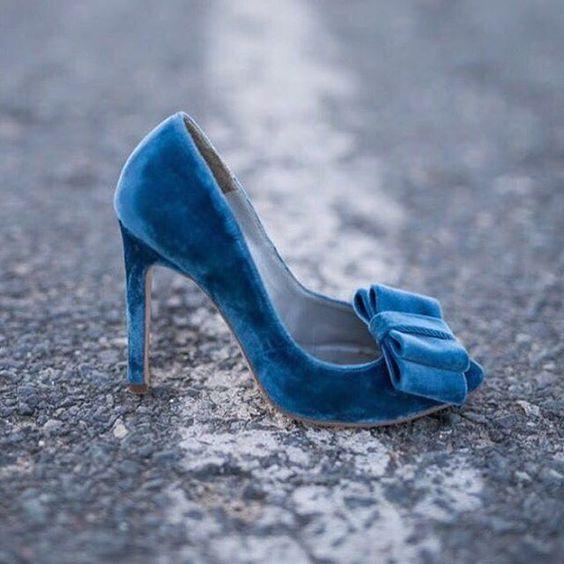 blue velvet bow heels for something blue