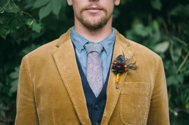 mustard velour jacket for a boho fall groom