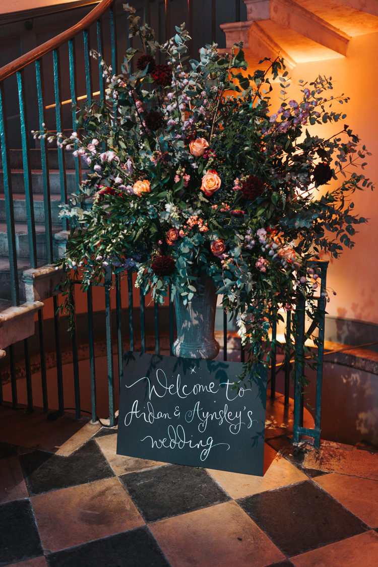 Look at this oversized wedding floral arrangement - isn't it gorgeous