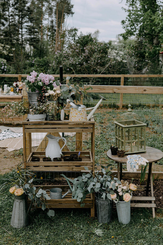 Look at the pictures and steal some ideas for your own wedding