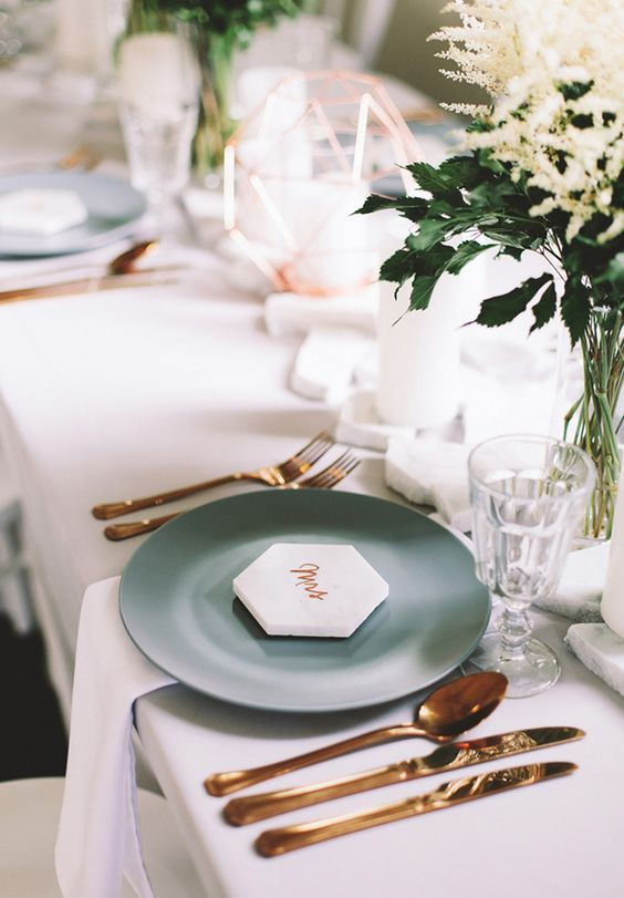 white honeycomb place cards add a fresh modern touch