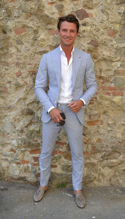 a dusty blue wedding suit with a white shirt is a gorgeous and chic idea