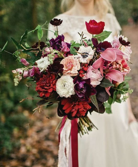 32 lush fall garden wedding ideas weddingomania for Shades of dark purple