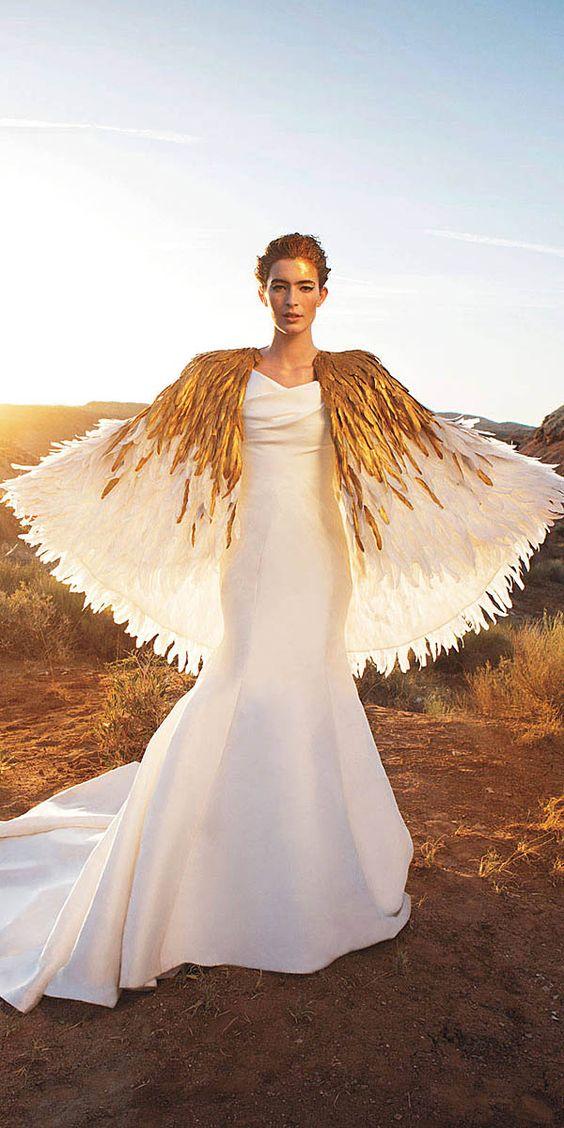 30 Flirty And Eye Catchy Feather Wedding Dresses
