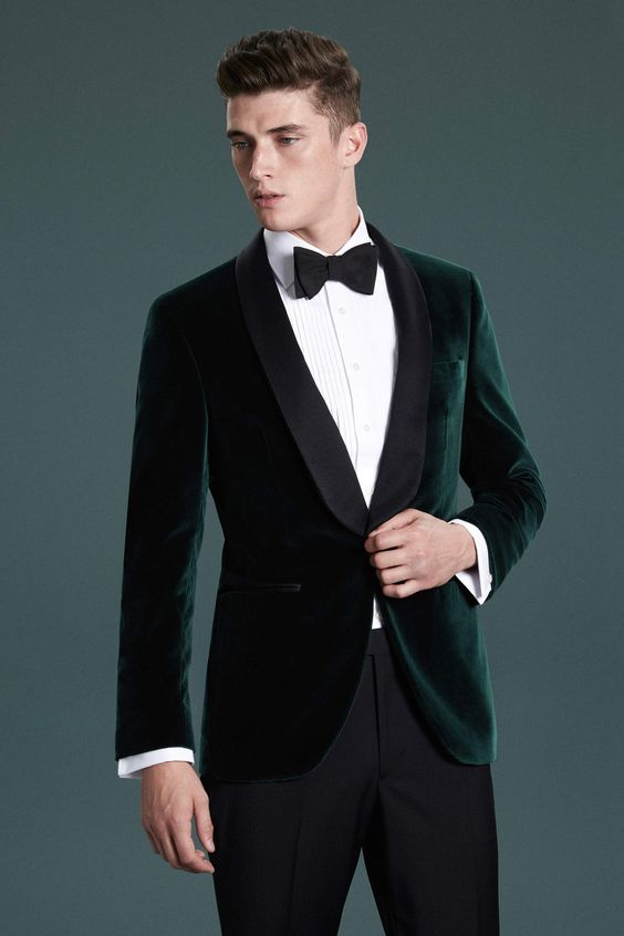 emerald velvet dinner jacket is a very trendy choice
