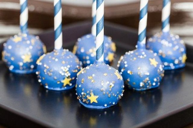 blue and gold starry night pops for desserts