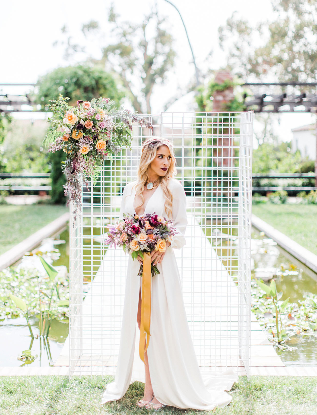 This colorful wedding shoot is full of bold details that are worth pinning right now