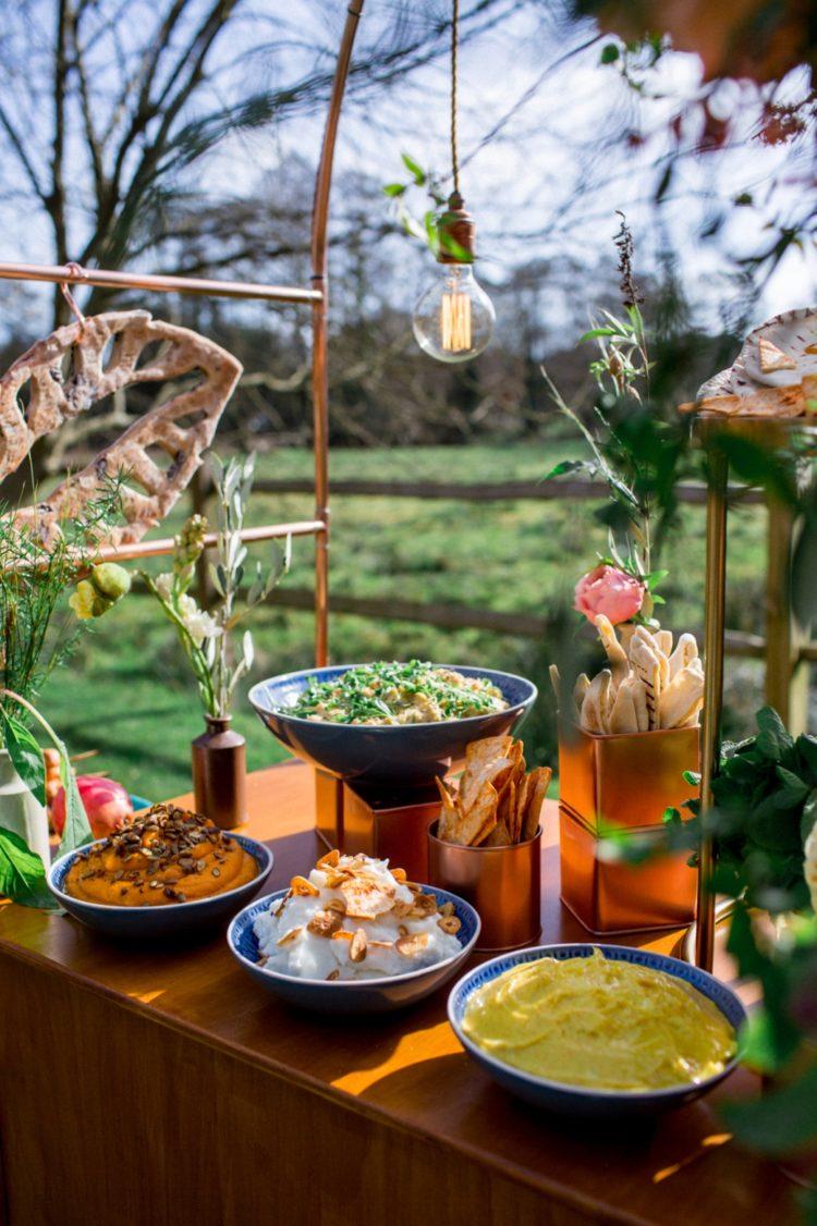 Verschiedene dips und Arten von Lebensmitteln cool Aussehen und sehr lecker, dies ist eine großartige Idee für ein feinschmecker-Hochzeit