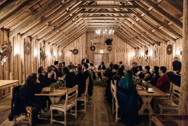 The reception took place in a lodge, with rustic and themed decor