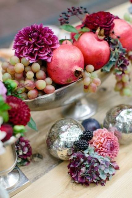 Yummy looking wedding centerpieces with fruits and
