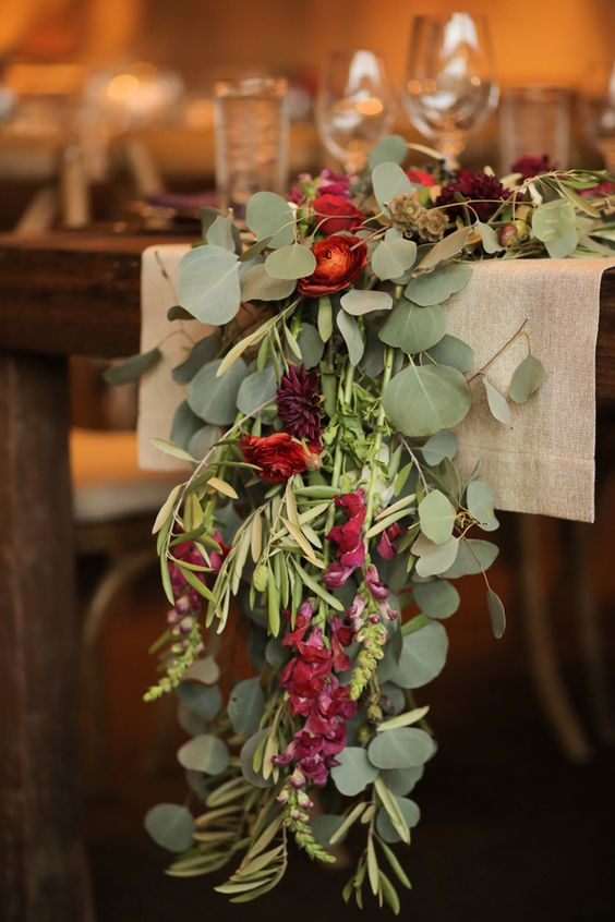 grün, rot und weinrot blühen Hochzeit Tischläufer wird umarmen die Saison