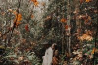 17 hint on your boho woodland wedding with your engagement photos