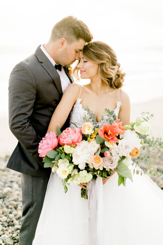 Citrus-Inspired Tropical Wedding Shoot