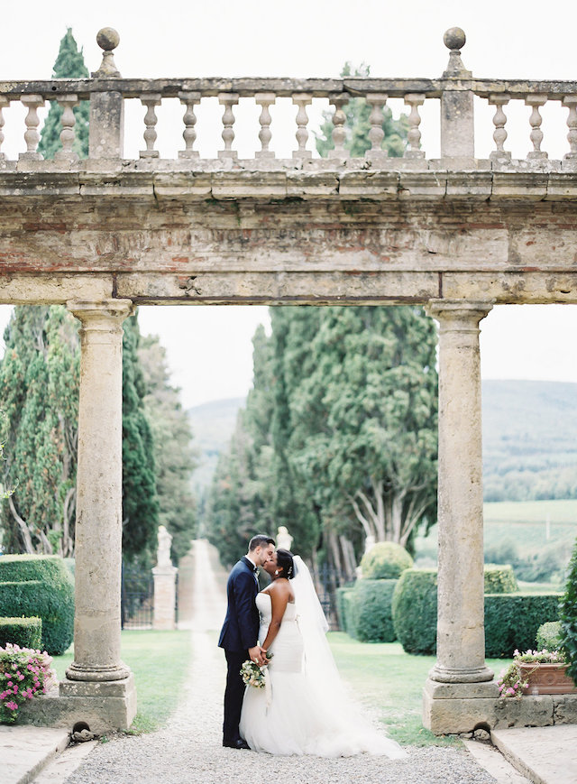 This wedding took place in an olive grove in Tuscany, it was intimate and inspired by Italian glam