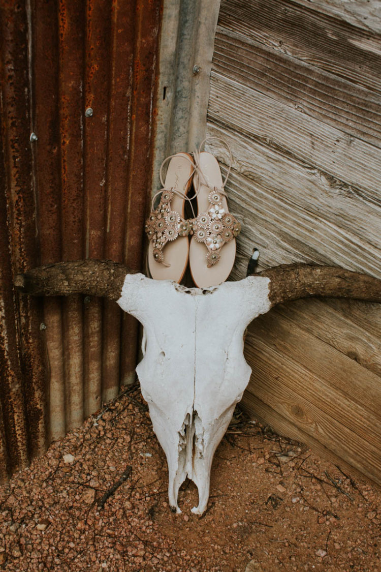 Whisy bridal sandals in rose gold for a summer boho bride