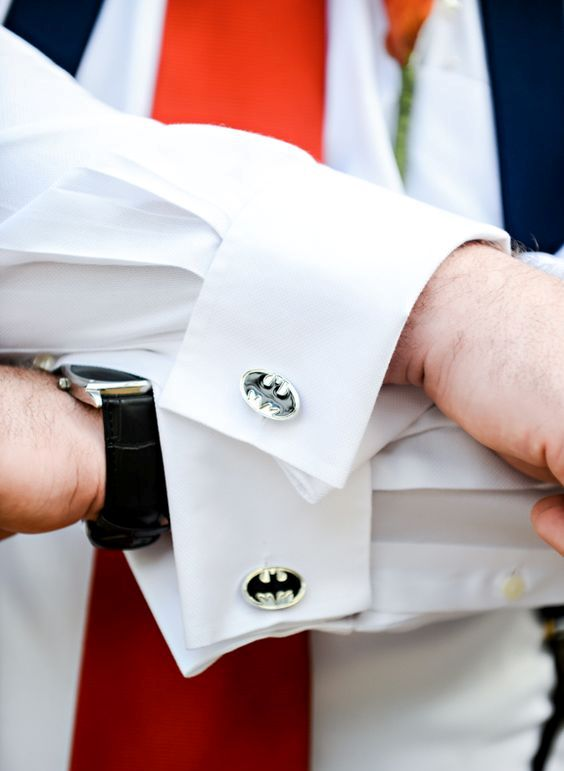 Superman cufflinks for a superman groom is a fun idea for geeks