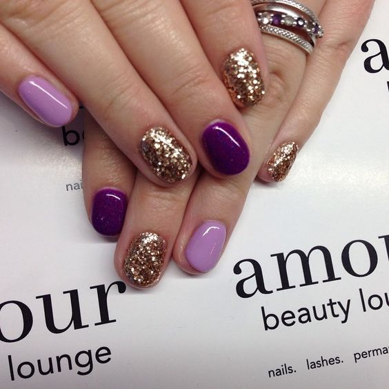 lilac, purple and gold glitter nails look wow and chic