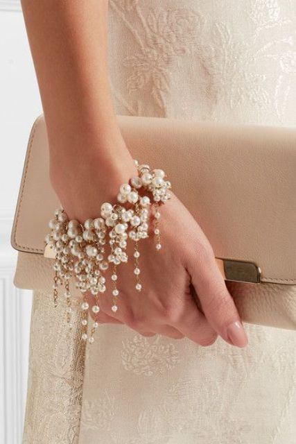 pearls are a timeless idea for any bride, they will never go out of style