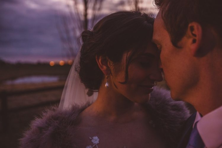 This wedding is all about winter elegance and coiness, get inspired