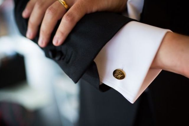 gold cufflinks with initials is a timeless and chic solution that every groom will love