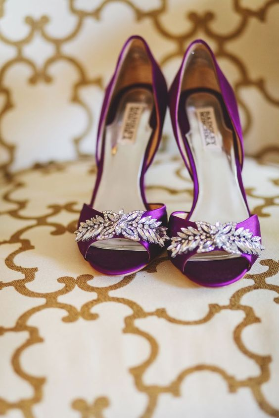 lila Badgley Mischka Schuhe Hochzeit mit schweren Verzierungen