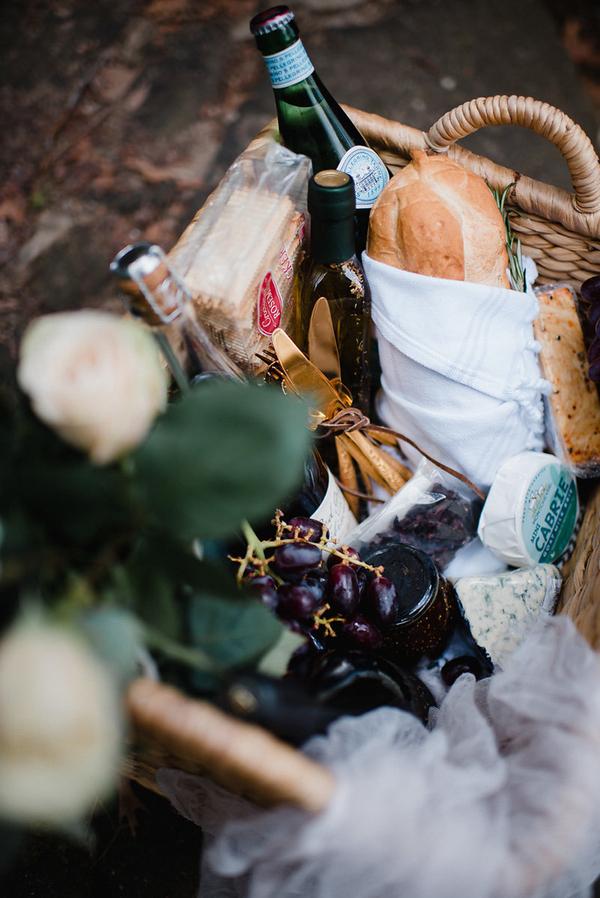 Artisan Brot und Käse und ein paar Feigen wurden vorgestellt, die für das Shooting