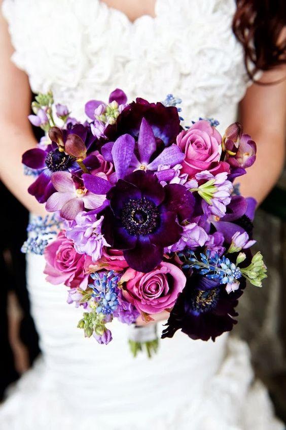 eine wunderschöne Herbst-Hochzeit bouquet mit deep purple, Lavendel-und fliederfarbenen Blüten