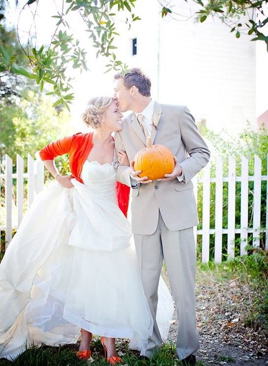 a burnt orange cardigan and matching shoes for a cheerful fall bride