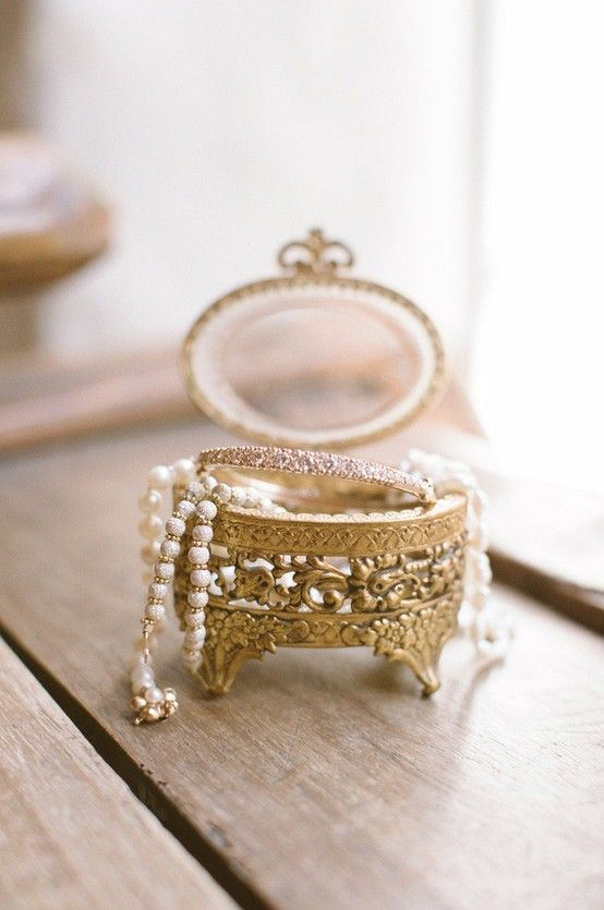 beautiful antique jewelry box with an egg-shaped top