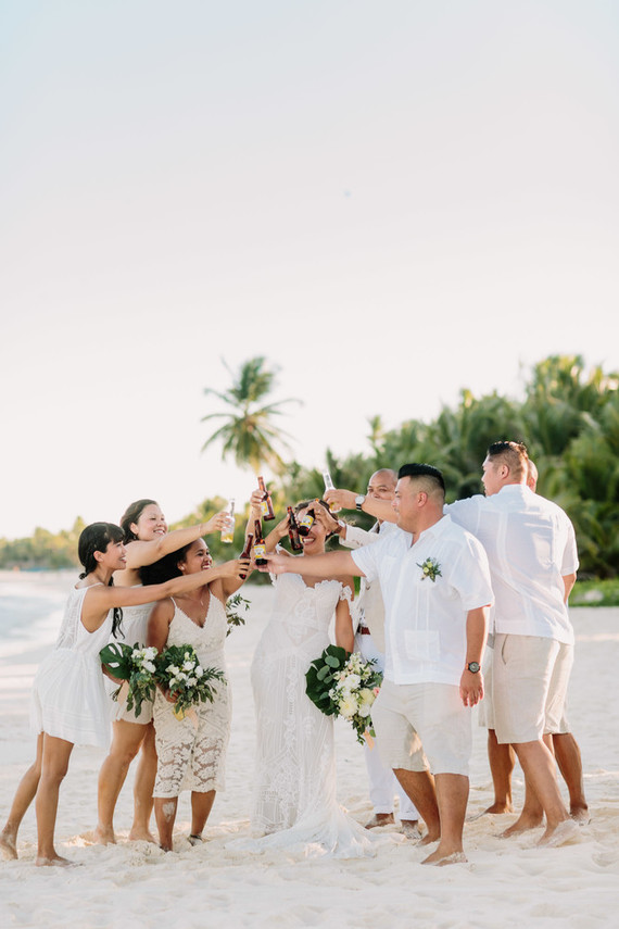 This tropical wedding in Mexico was relaxed, fun and super cool because the couple chose a destination where they have never been before