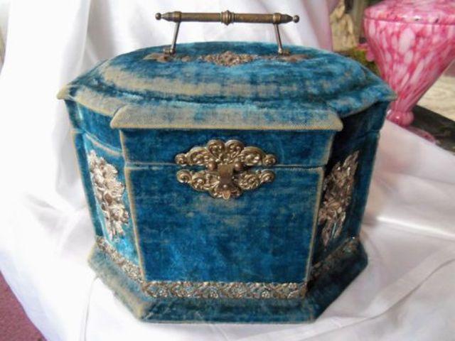 vintage blue velvet Victorian-style jewelry box