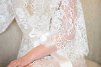 16 ivory short lace wedding robe can be worn during the preparations in the morning